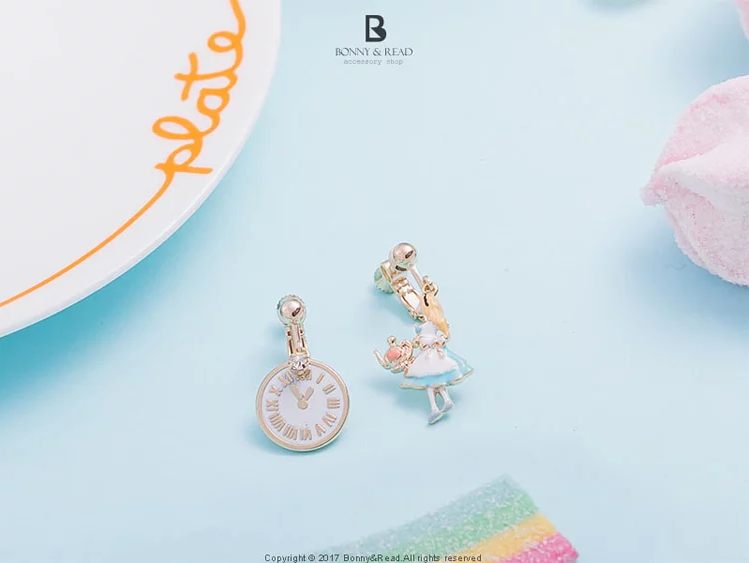 Bonny & Read https://www.bonnyread.com.tw/products/alices-tea-time-ear-clip
