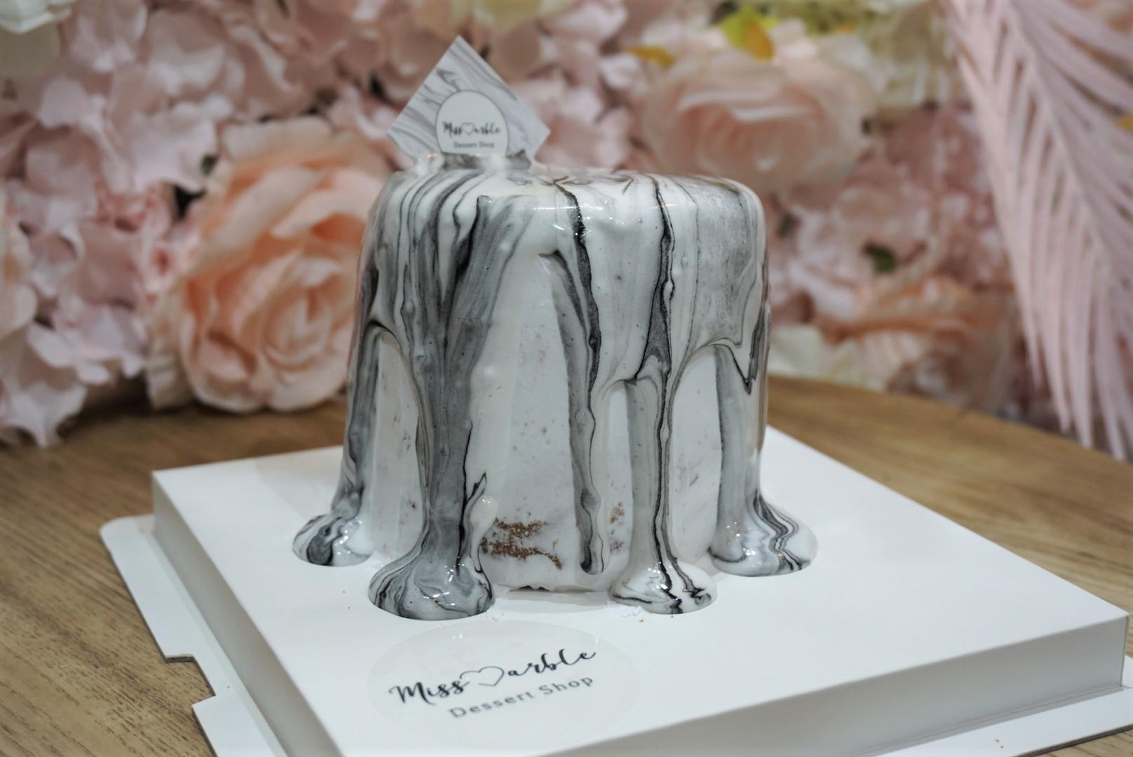 女生們尖叫吧!雲石小姐 招牌雲石紋流心蛋糕~~